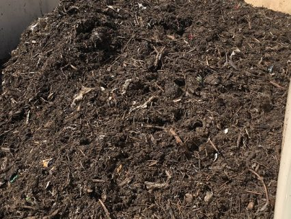 Compost_material_in_container
