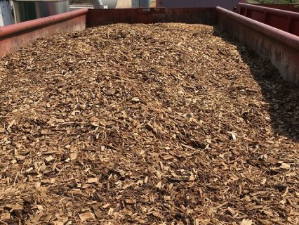 Wood_chips_in_container_1